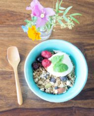 Panache! muesli bowl with flower arrangement
